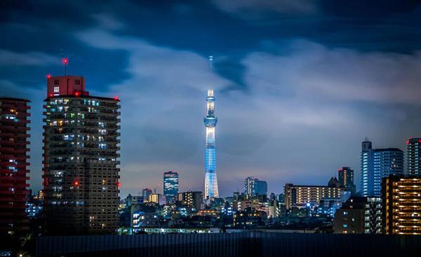 世界上最高的自立式电视塔
